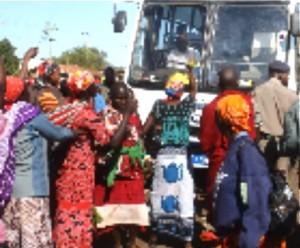 40-Kenya-babies-blockade