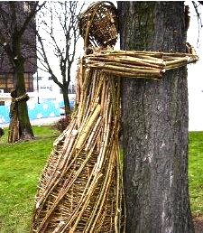 Twig sculpture honoring Chipko women, by Klub Gaja, (Polish environmentalist group), 2008