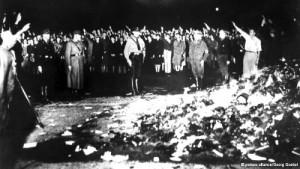 25-Nazi-bk-burning